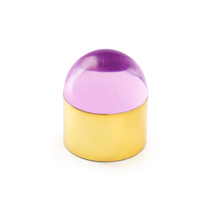 Produktbild, rosa glaskupol med gyllene fot.