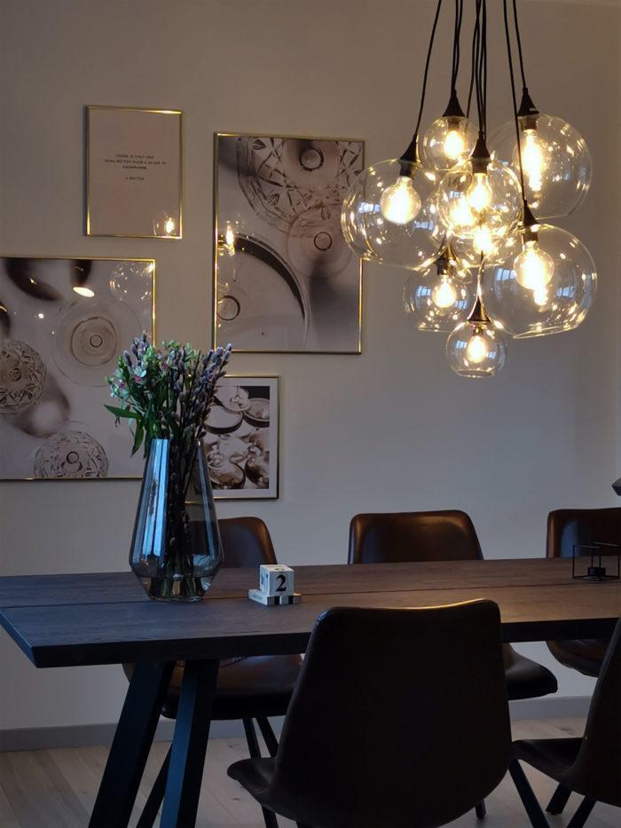 Produktbild, taklampa med pendlar i glas.