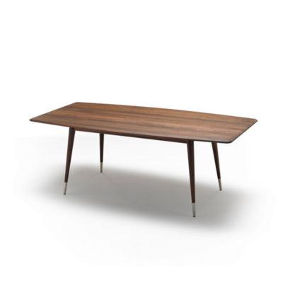 Produktbild, ovalt bord i valnöt med möjlighet till iläggsskivor