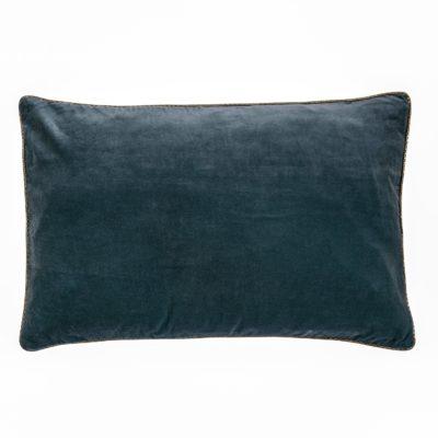 Produktbild, kudde i blå sammet.