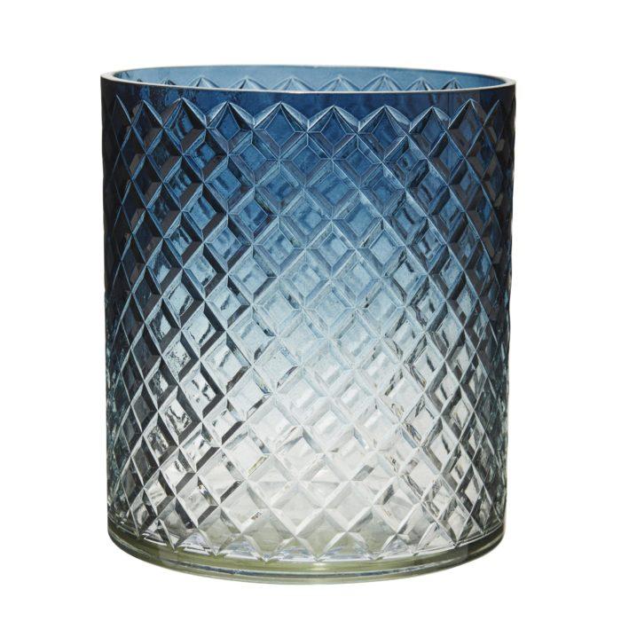 Produktbild, ljuslyktan Quadrat. Blå ljuslykta i glas med rutmönster.